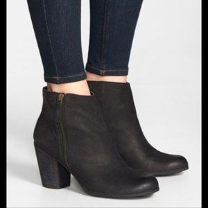 Adorable ankle booties!